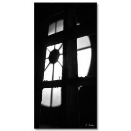 black-and-white vertical 9